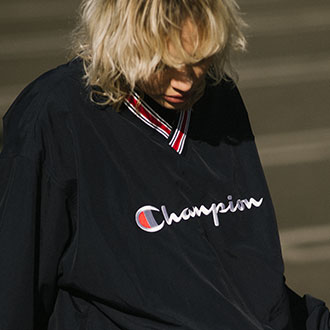 2.7.fri XLARGE×CHAMPION